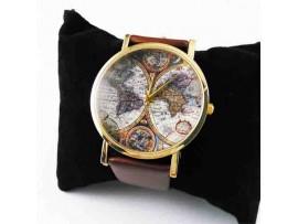 Часы с картой мира на циферблате