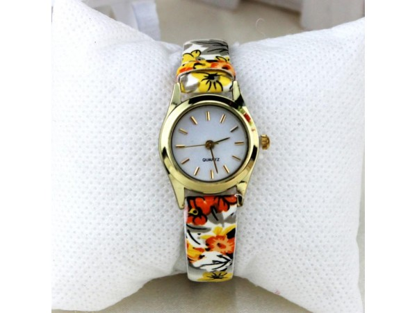 Яркие женские часы