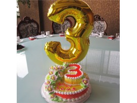 Надувная цифра 3 на трехлетие ребенка или на годовщину свадьбы