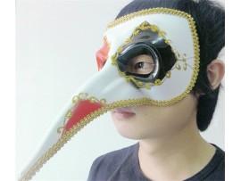 Венецианская маска с длинным носом