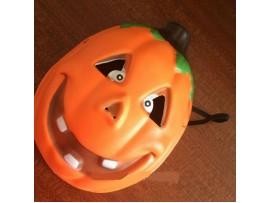 Веселая маска тыквы